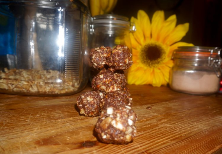 Low carb chocolate balls